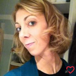 Photo de Leslie, Femme 35 ans, de Grasse Provence-Alpes-Côte-dʿAzur