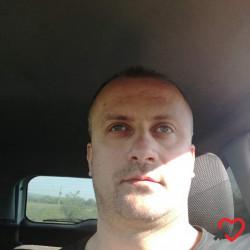 Photo de Emille, Homme 39 ans, de Annoeullin Nord-Pas-de-Calais