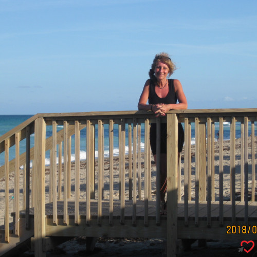 Photo de MANON, Femme 56 ans, de Val-des-monts Quebec