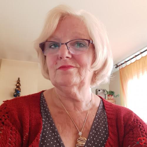 Photo de VERGNE, Femme 66 ans, de Vaujours Île-de-France